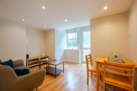 2 bedroom flat to rent - Flat 1, 4 Winstanley Terrace, Headingley