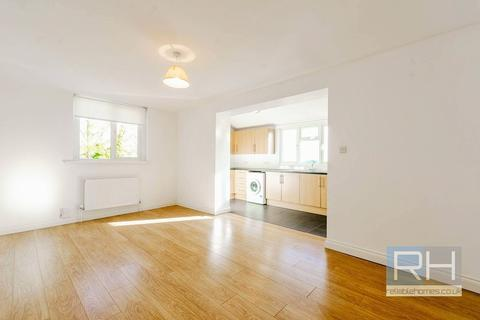 2 bedroom apartment to rent - Mount View Road, N4