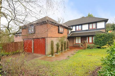 5 bedroom detached house to rent - The Burlings, Ascot, SL5