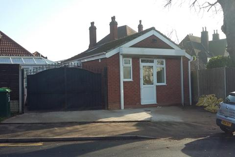 Studio to rent - Birmingham Road, Great Barr, Birmingham B43