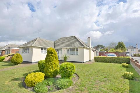 2 bedroom detached bungalow for sale - Poole, BH17 7JX