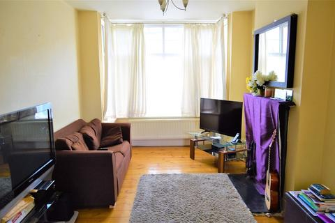 2 bedroom terraced house to rent - Kings Road, Slough, Berkshire. SL1 2PT