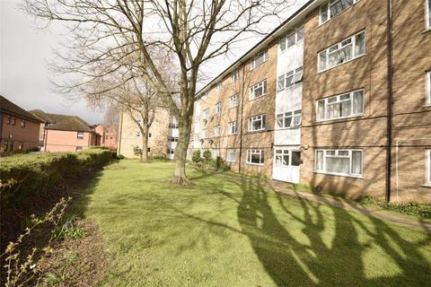 2 bedroom flat to rent - New Barn Avenue, Prestbury, GL52 3LN