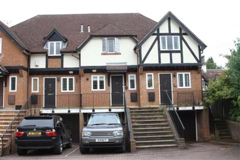 2 bedroom terraced house to rent - Tudor Court, Lower Cookham Road, Maidenhead