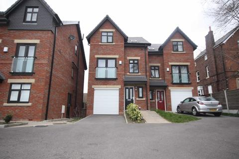 4 bedroom mews to rent - Chaddock Lane, Boothstown