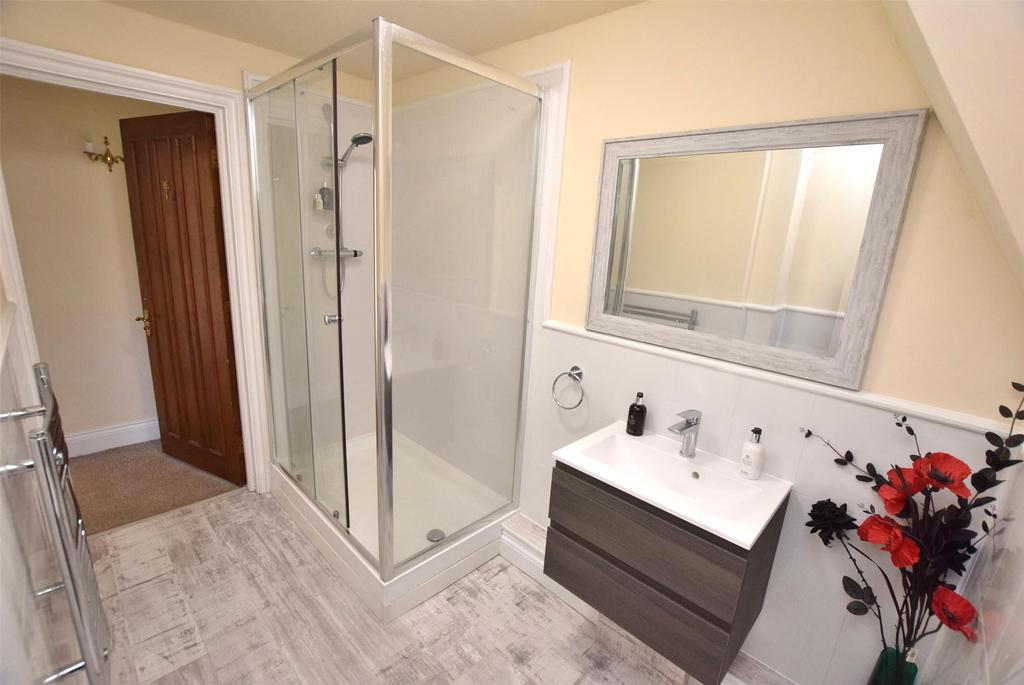 Shower Room (shower area)