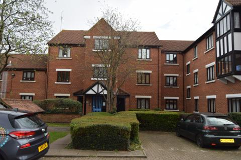 1 bedroom flat for sale - Tawny Close , Feltham TW13 7LH