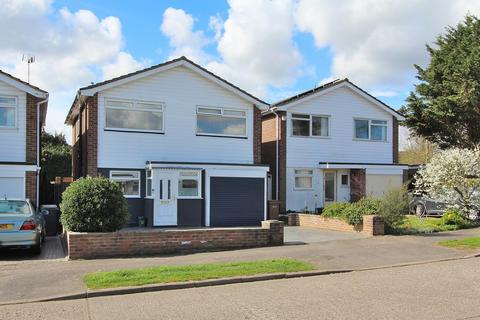 4 bedroom detached house for sale - Pertwee Drive, Great Baddow, Chelmsford, Essex, CM2