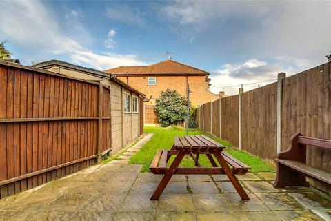 3 bedroom semi-detached house for sale - Greengate, Greenford, UB6