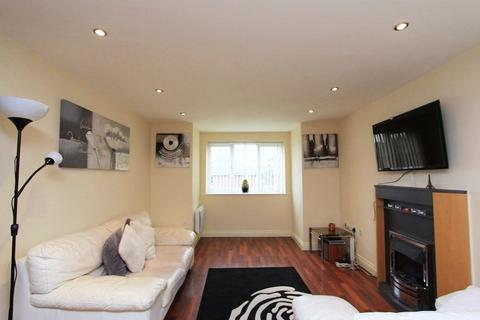 2 bedroom apartment for sale - Hyde Road, Manchester, M12