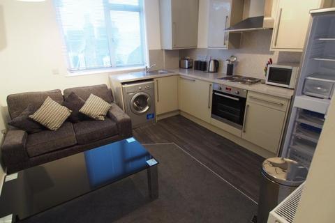 2 bedroom flat to rent - Esslemont Avenue, Top Left, AB25