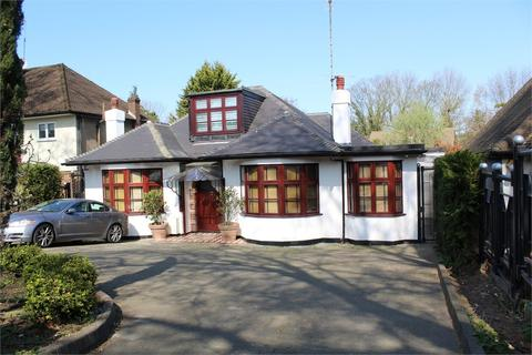 4 bedroom detached bungalow for sale - PARK AVENUE, BUSH HILL PARK, ENFIELD
