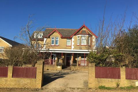 6 bedroom block of apartments for sale - Summerhill Apartments, 4 Culver Road, Shanklin, Isle of Wight