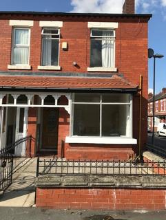 4 bedroom end of terrace house to rent - Great western street, Manchester M14