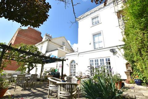 3 bedroom semi-detached villa for sale - Derby Road, Nottingham NG7