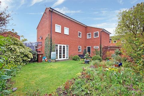4 bedroom detached house for sale - Blackwater Drive, Aylesbury, Buckinghamshire