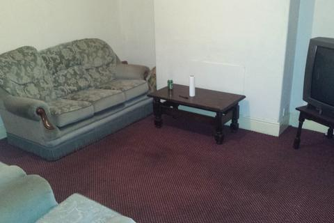 4 bedroom terraced house to rent - Great Western Street, Rusholme, Manchester M14