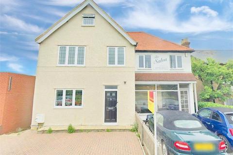 2 bedroom flat to rent - Stomp Road, Burnham, Buckinghamshire