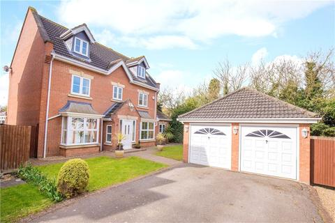 5 bedroom detached house for sale - Smithcombe Close, Barton-le-Clay, Bedford, Bedfordshire