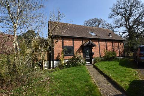 3 bedroom barn conversion to rent - ALVECHURCH, BIIRMINGHAM, B48