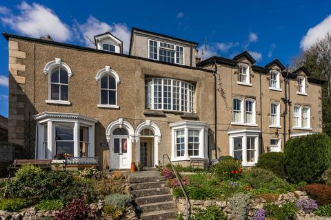 1 bedroom ground floor flat for sale - Flat 1, 2 Belle Isle Terrace, Grange-Over-Sands, Cumbria, LA11 6EA