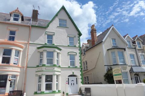 6 bedroom end of terrace house for sale - Deganwy Avenue, Llandudno, North Wales