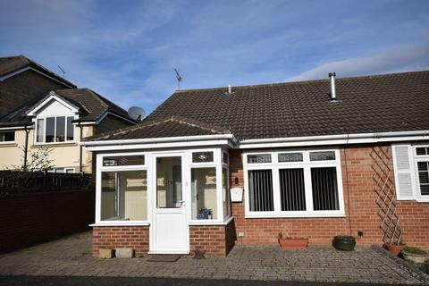 2 bedroom semi-detached bungalow for sale - Fairney Close, Ponteland, Newcastle upon Tyne