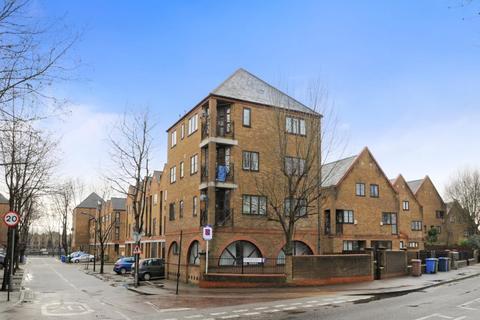 2 bedroom flat to rent - Brunswick Quay, Surrey Quays SE16