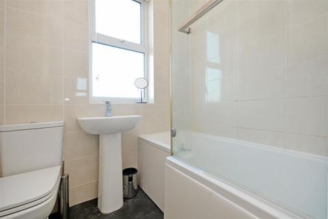5 bedroom house to rent - 35 Cowlishaw RoadSheffield