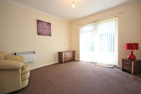1 bedroom apartment for sale - St. Lukes Court, Willerby, Hull
