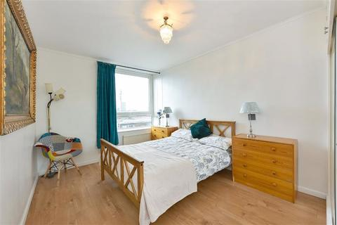 1 bedroom flat to rent - Dufours Place, Soho, London, W1F