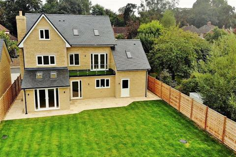 5 bedroom detached house for sale - Quemerford, Calne