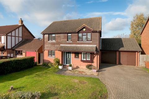 4 bedroom detached house for sale - Siskin Gardens, Paddock Wood, Tonbridge