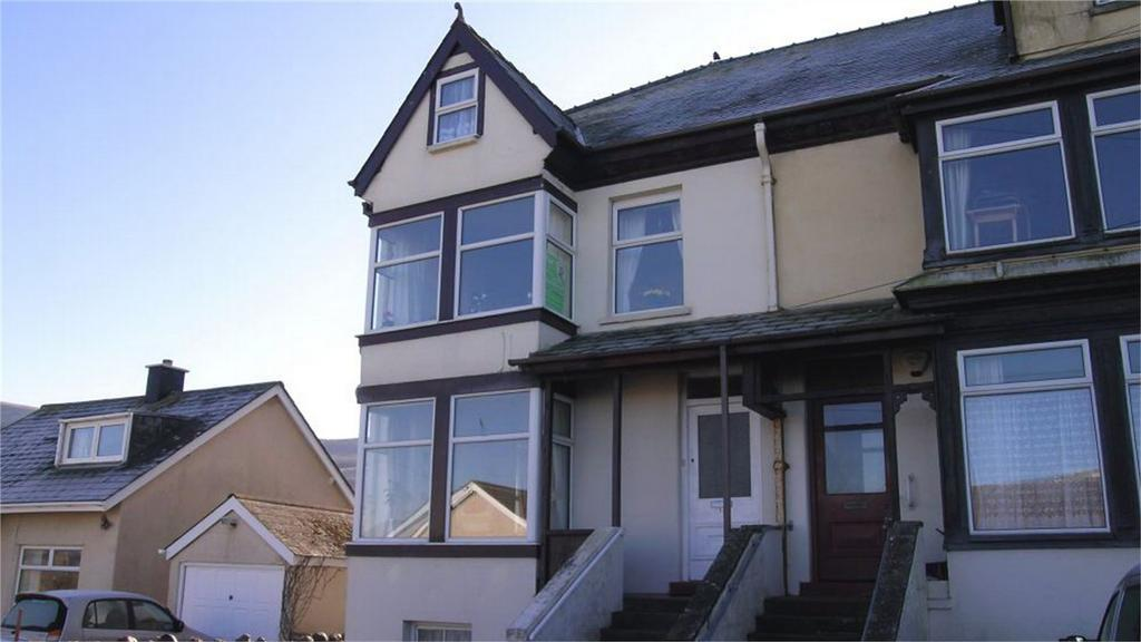 4 Bedrooms Maisonette Flat for sale in Maisonette 3, 12 Alyn Road, Fairbourne, Gwynedd