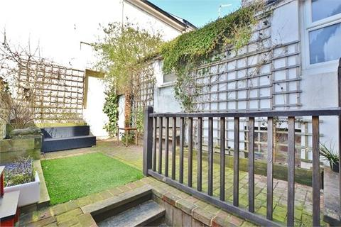 3 bedroom terraced house for sale - George Street, Brighton, BN2