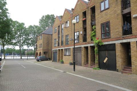 3 bedroom terraced house to rent - Brunswick Quay, Surrey Quays
