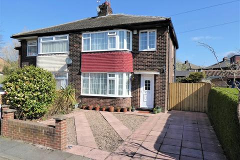 3 bedroom semi-detached house for sale - Chatsworth Drive, Pudsey