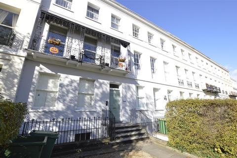1 bedroom flat for sale - Evesham Road, CHELTENHAM, Gloucestershire, GL52 2AB