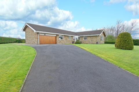 4 bedroom bungalow for sale - Leefield Road