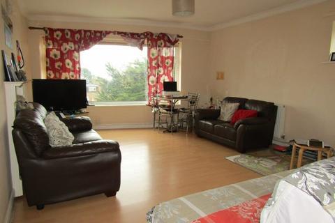 2 bedroom flat to rent - Winn Road, Southampton