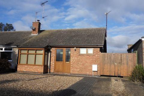 2 bedroom semi-detached bungalow to rent - Fullwell Road, Bozeat, NN29