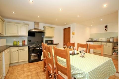 7 bedroom townhouse to rent - Springbank Terrace, City Centre, Aberdeen, AB11 6JZ