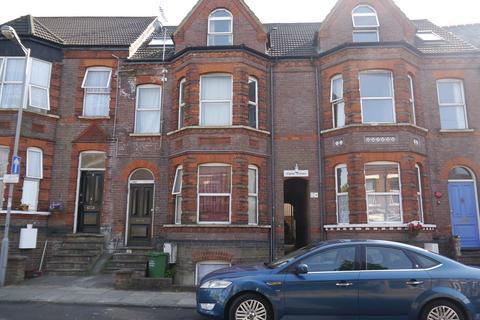 Studio to rent - ALPINE TERRACE, Farley Hill