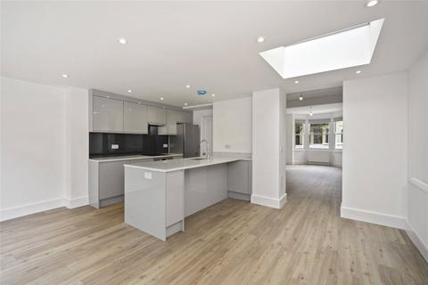 4 bedroom terraced house to rent - Abdale Road, London, W12