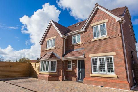 5 bedroom detached house for sale - Thistledown Drive, Hightown, Liverpool, L38