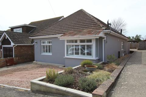 3 bedroom detached bungalow for sale - Seaview Road, Brighton