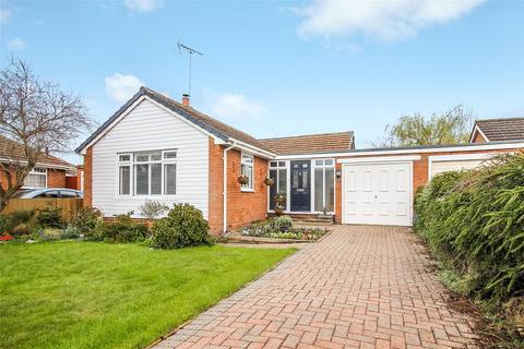 2 bedroom bungalow for sale - Dundela Close, Woodley, Reading, Berkshire, RG5