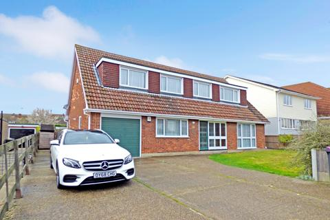 4 bedroom detached house for sale - Ferry Road, Hullbridge, Essex