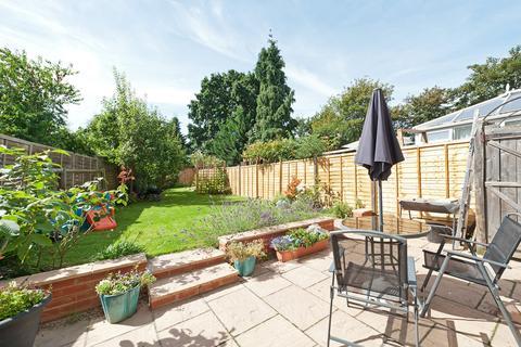 3 bedroom terraced house to rent - Athelney Street, Catford, SE6 (JK)