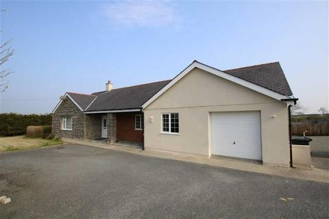 4 bedroom detached bungalow to rent - Rhosmeirch, Llangefni, Anglesey, LL77